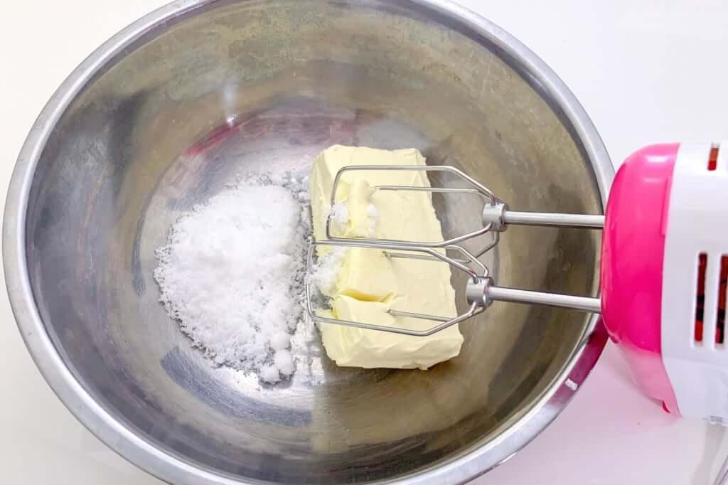 2019-03-16 14.37.33_混ぜる_桜甘酒レアチーズケーキ