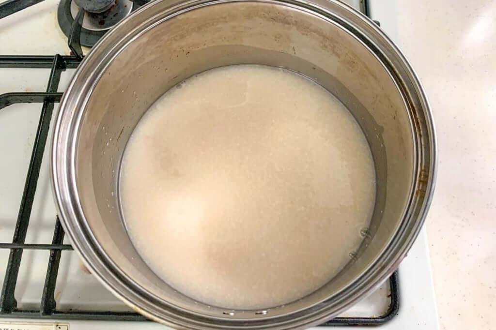 2019-03-16 14.34.55_甘酒を温める_桜甘酒レアチーズケーキ