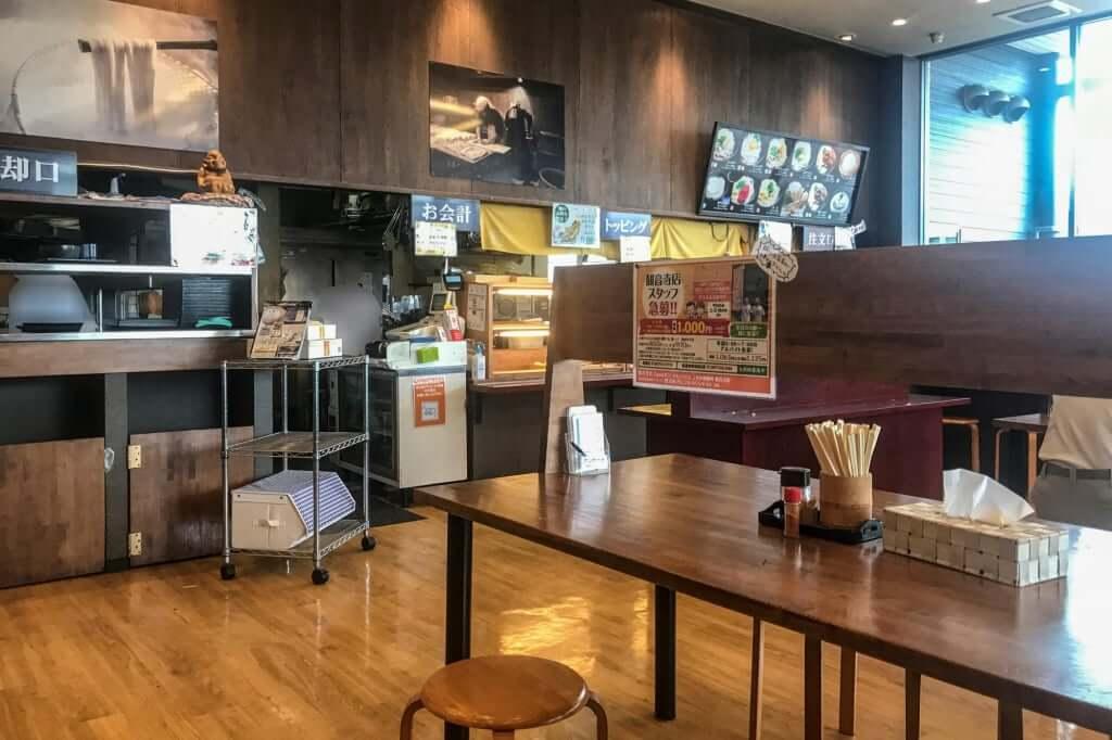 店内の雰囲気_こがね製麺所_観音寺店