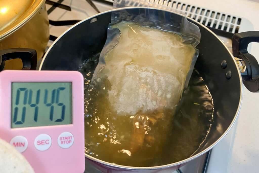 スープを湯煎する_中村商店_高槻本店_金の塩_2020-04-05