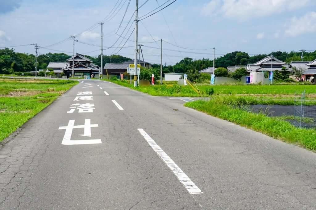 岡田西の交差点から来た場合_あやうた製麺_2019-08-21