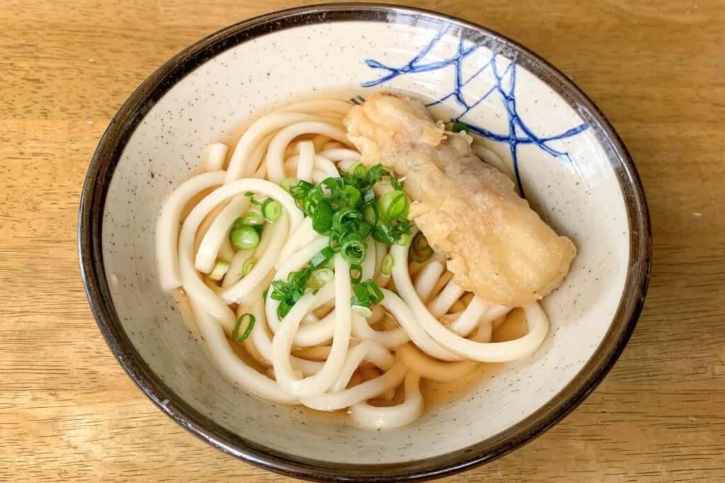 温かい出汁とちくわ_長楽製麺所_2020-06-10