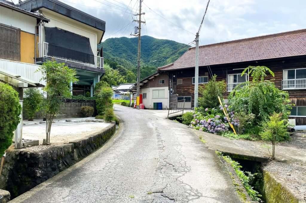 お店の前_三嶋製麺所_2020-07-08