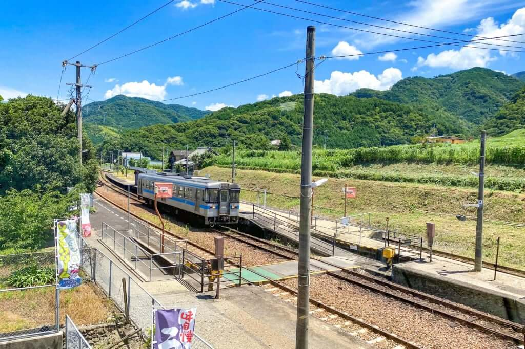カフェから財田駅_のぼり釜_2020-07-31