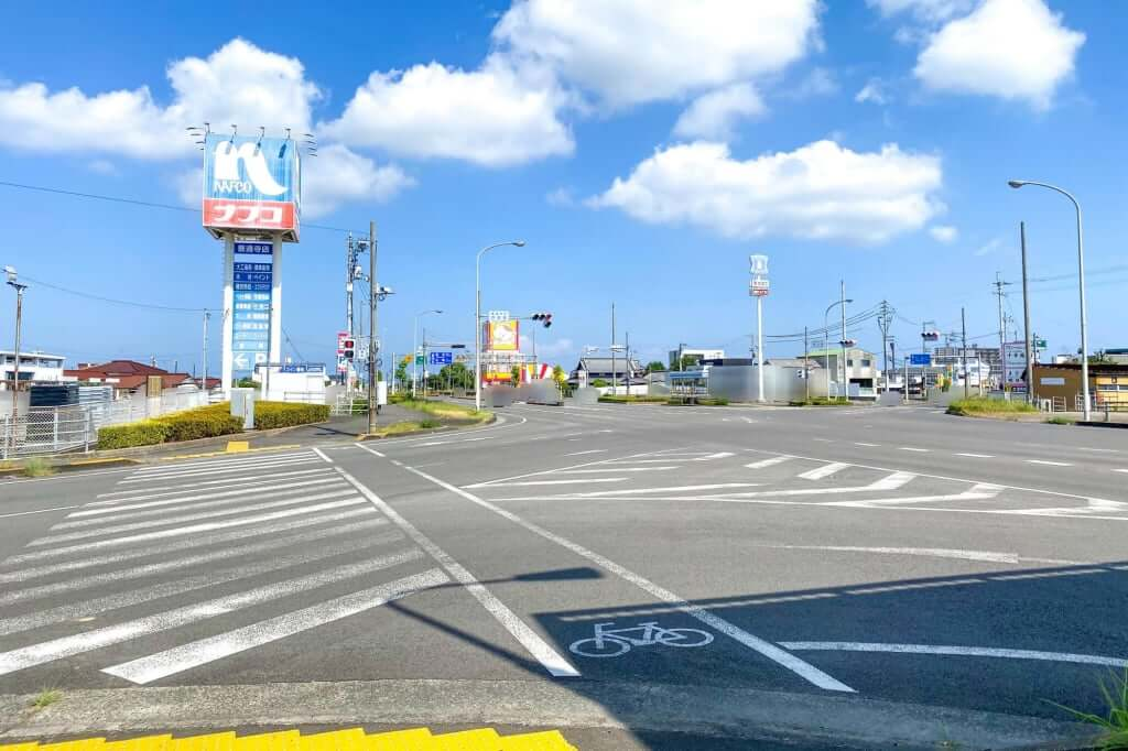 交差点_七や製麺_2020-09-01