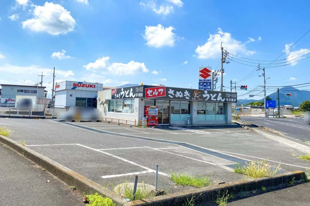 駐車場_七や製麺_2020-09-01