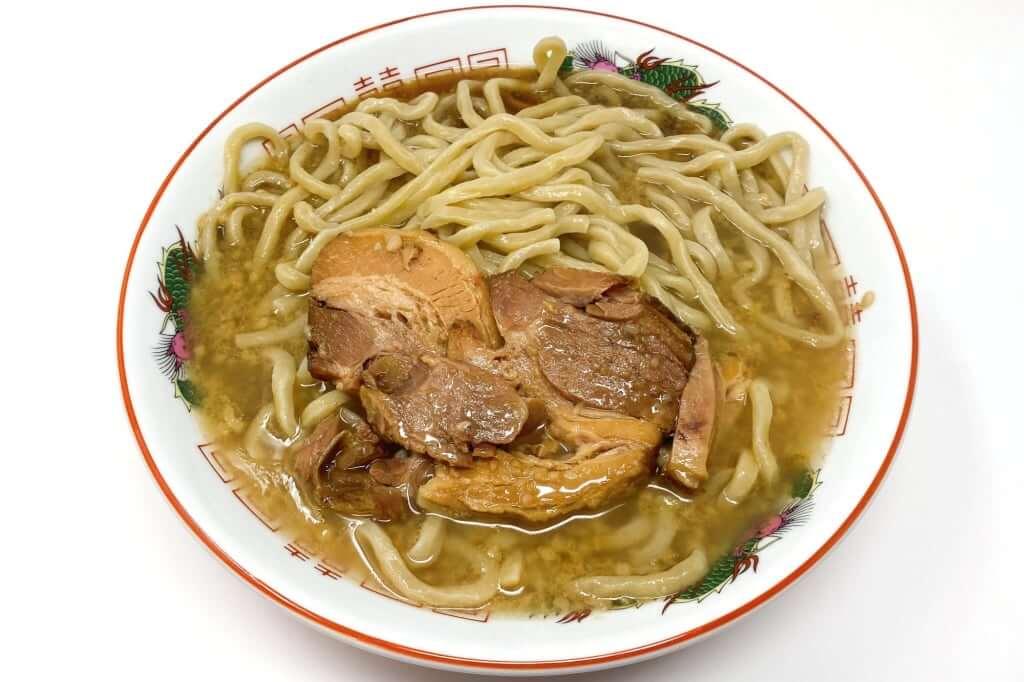 器に麺を入れる_らーめん_バリ男_2020-10-06