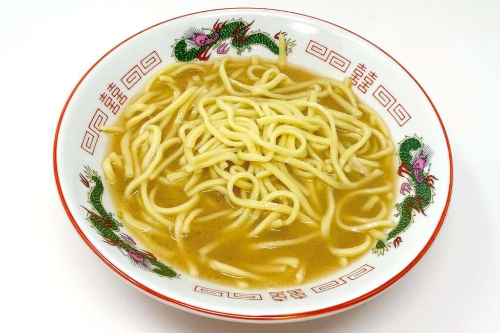 器に麺を入れる_暴君RA-MEN_横浜家系作田家_宅麺_2020-09-21