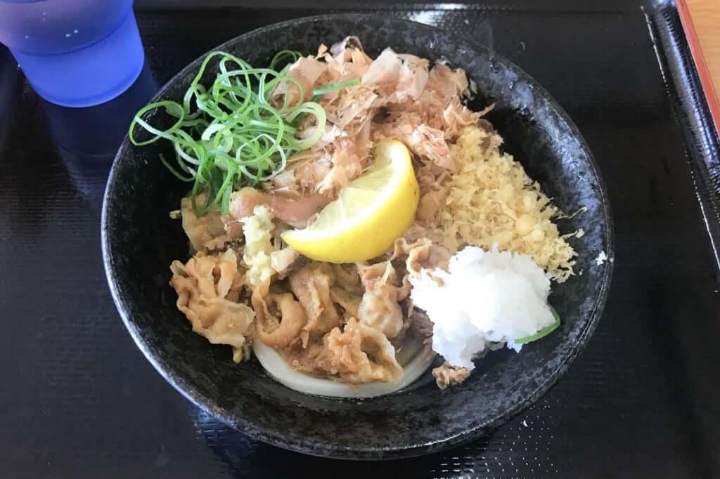 肉ぶっかけうどん_こだわり麺や_観音寺店_2019-06-16
