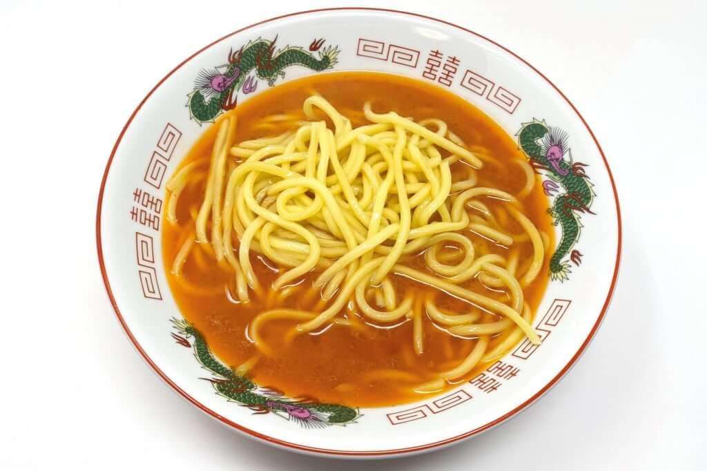 丼に麺を入れる_味噌麺処_花道_辛味噌ラーメン_2020-12-27