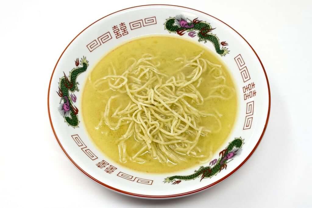 丼に麺を入れる_麺処_若武者_濃厚福島鶏白湯_2020-12-27