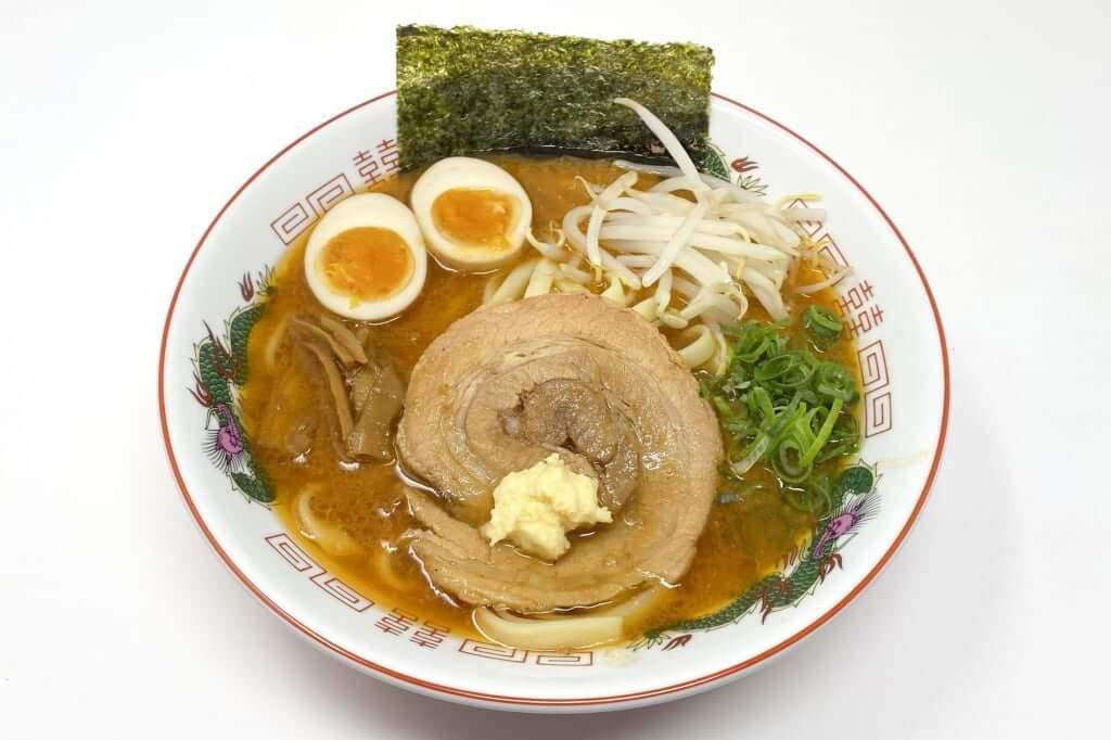 盛り付ける_麺屋音別邸_炙り濃厚味噌_2020-12-27