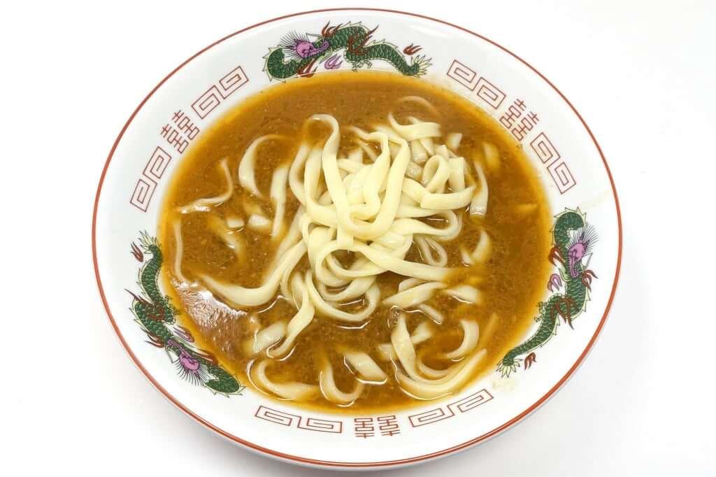 丼に麺を入れる_麺屋音別邸_炙り濃厚味噌_2020-12-27