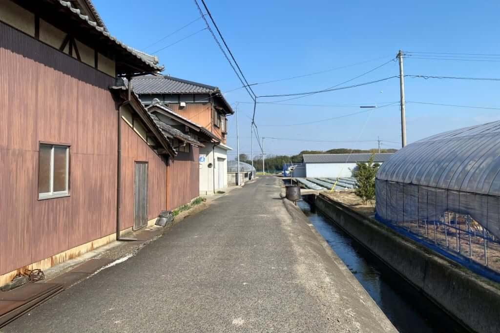 東側からの入り口_讃岐麺処 山岡_2020-12-07