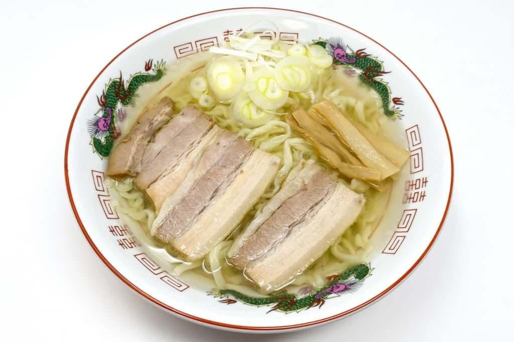 盛り付ける_会津らぁ麺_うえんで_塩らぁ麺_2021-01-10