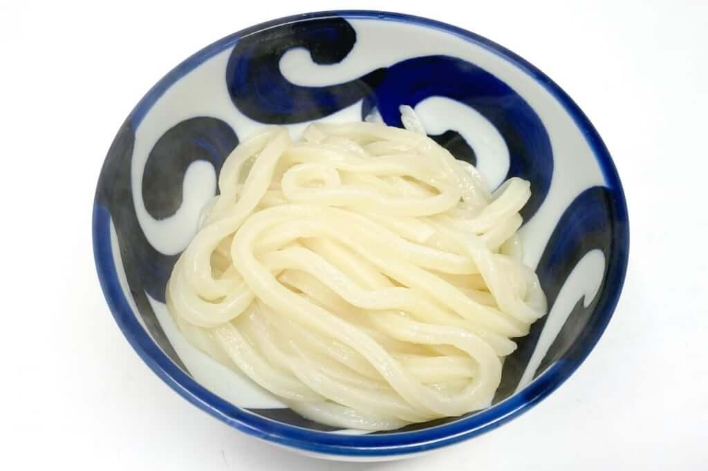 麺を丼に入れたとこ_麺紡の通販うどん_2021-03-29